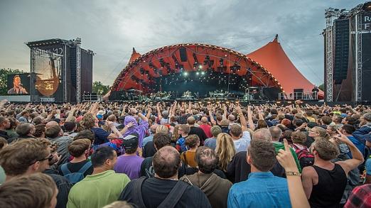 1280px-roskilde_festival_-_orange_stage_-_bruce_sp